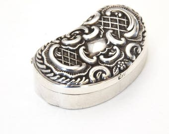 Edwardian Solid Silver Pill Box 1903