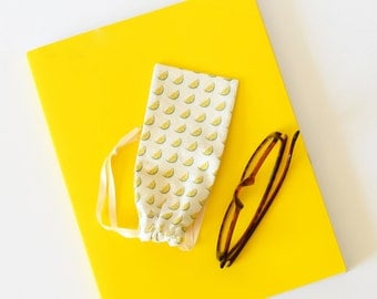 Yellow glasses case , eye glasses case , sunglasses case , favor bag, bithday party, yellow , glasses pouch , eye glass case , lemon