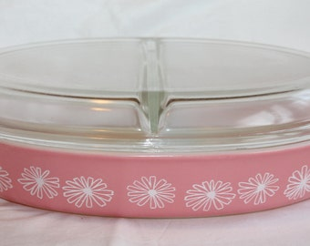 Vintage Pyrex Pink Daisy Divided Baking Casserole 1.5 Qt with Lid