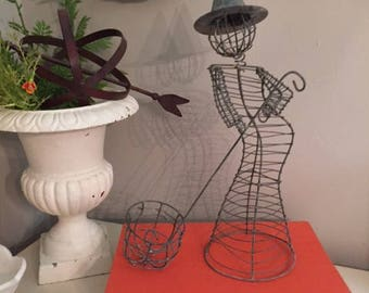 Metal wire witch and cauldron-2 pieces