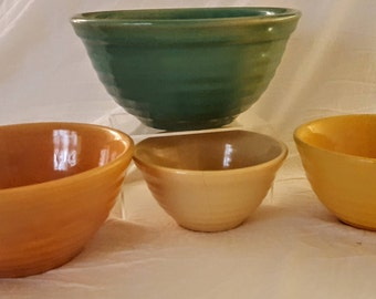 Fabulous Set of Four(4) American Vintage Bauer Ringware Nesting Mixing Bowls #:12,18,24,30