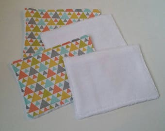 4 large wipes washable cotton and Terry geometric patterns, multicolored triangles.