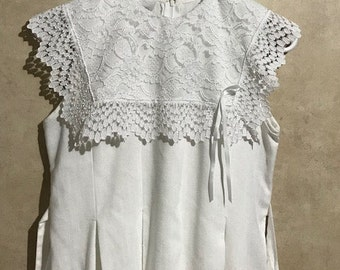 White Dress with Big Lace Collar By Bonnie Jean Made in USA Easter Dress First Communion or Graduation Dress Fit 14-16 Girl