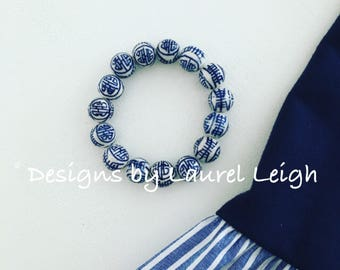BLUE and WHITE CHINOISERIE Beaded Bracelet | Chinese, navy, stretchy