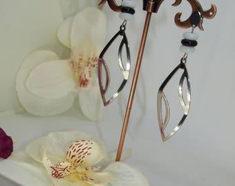 earrings with flat glass beads and openwork pendant