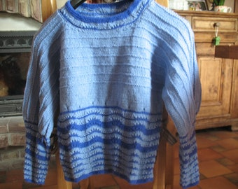 Blue 2 tone SWEATER size 38/40 vintage