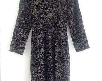 Glimmering Black Velvet 80s Dress / Vintage Mini with Embroidery