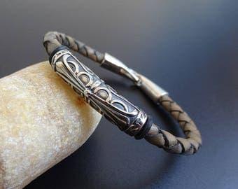 Mens Leather Bracelet, Men's braided leather bracelet, Fleur de lis bracelet, Leather Jewelry, leather Bracelet Wristband, gray leather