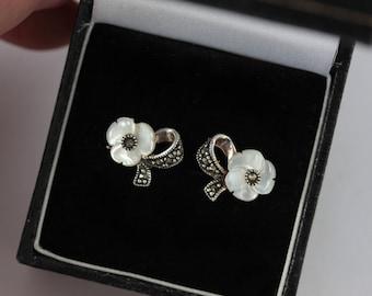Vintage Mother of Pearl Stud Earrings, MOP Flower Stud Earrings Sterling Silver Earrings, Silver Marcasite Earrings, Silver Bow Earrings