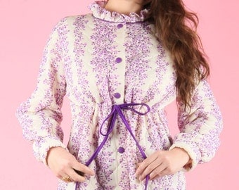 Sweet 70s Vintage Quilted Dressing Night Gown Robe Coat