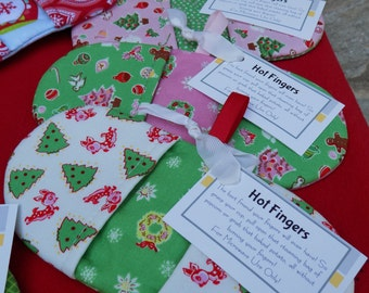 Holiday Themed Microwave Mitt - Fingertip Microwave Mitt - Penny Rose Little Joys - Pink or Green - Stocking Stuffer - Hostess Gift