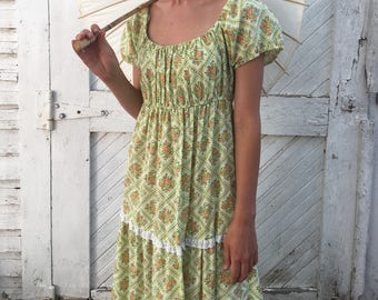 Dainty Vintage 60's 70's Womens Summer Dress Floral Lace Detail