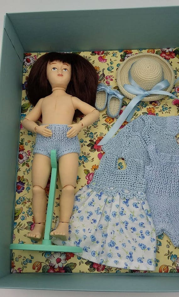 Ball jointed Zisa Doll, set in light blue