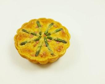 Miniature Asparagus Quiche, Miniature Tart, realistic food, dollhouse miniatures, miniature food, dollhouse food, 1:12 scale, polymer clay