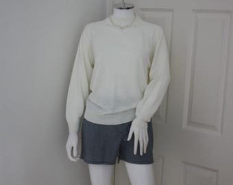 Cream turtle neck sweater, turtleneck pullover, high neck jumper, preppy sweater, round neck sweater, secretary chic, mock turtle neck