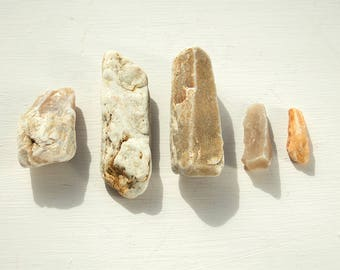 5x OBELISK ROCK CRYSTALS Mix of pillar shaped rocks English geological finds Semi opaque altar stones Mindfulness stone Instant collection