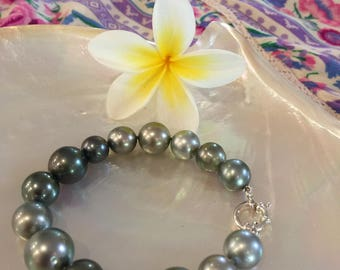 Stunning Tahitian Bracelet with Clasp