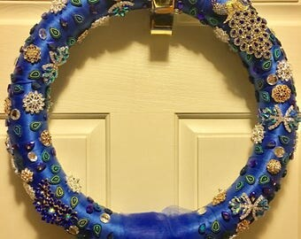 Reversable brooch and tulle wreath!!