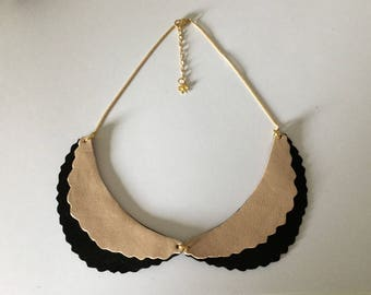 Genuine leather necklace, style Peter Pan collar.