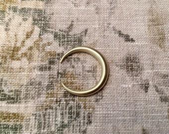 O-Tretton Handmade Minimal Half Moon Ring