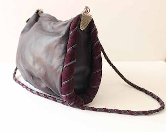 Purple Italian leather vintage 80s shoulder bag ' s/made in Italian, new/Leather handbag vintage