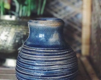hand-thrown vase / vintage vase / blue vase / pottery