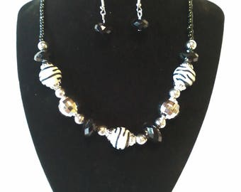 Black & White 2 Pc. Costume Jewelry Set