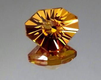 Citrinfarbiger CZ (Cubik Zirkonia)# triangle shape, #Strahlenschliff with dispersion,#Unikatsstein,# high-precision grinding)