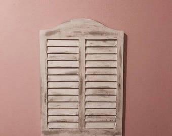 Distressed shutter style wall decor