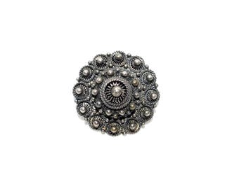 Vintage ETRUSCAN REVIVAL Round Silver Toned Raised Brooch Pin