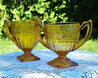 Dainty daisy Indiana Glass Co amber sugar and creamer set