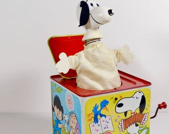 1966 Metal Snoopy Jack in the Box - Mattel Vintage Peanuts 60s Toys Jack-in-the-Box