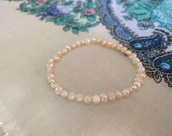 Pearl bracelet, natural freshwater 5 mm pearl bracelet, pearl beads, salmon-coloured pearl bracelet, elastic, easy fits, woman bracelet