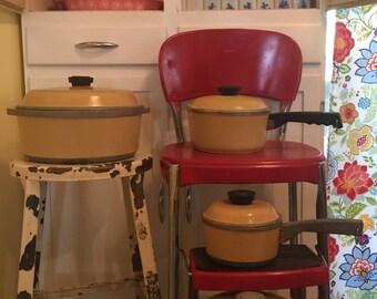 8 piece Harvest Gold Club Aluminum Pot set Vintage 70s