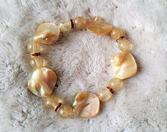beige quartz beads and pearl bracelet
