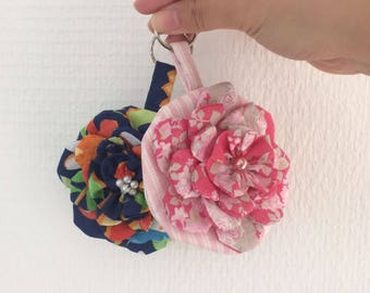 Coin purse, flower keychain