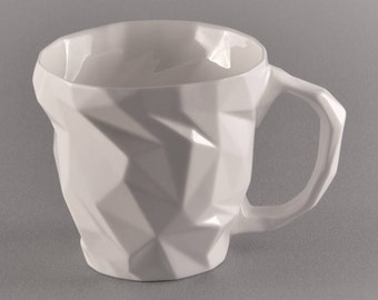 Large porcelain cup-diamond for tea and coffee