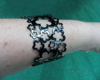 Steel flower bracelet