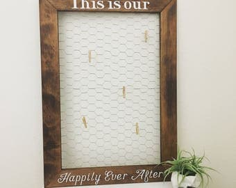 Customizable Chickenwire Frame. Photo Display Board. With 5 Clothes Pins. Rustic / Wedding / Home / Gift / Country / Decor
