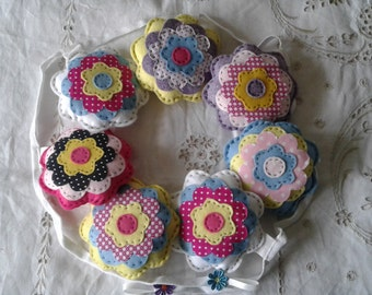 Padded flower bunting