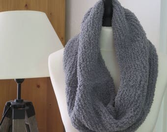 Light gray collar scarf - knitted hand - made in France