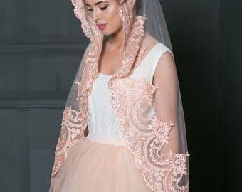 Waltz Blush Pink Lace bridal veil, Mantilla lace ivory veil, Veil in Spanish style, Blush fingertip veil, Blush veil, Blush Pink lace veil.