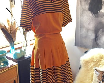 Cute 90's inspired pleated shift dress