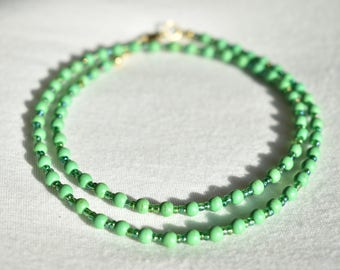 Green Howlite Glass Necklace / Patterned Minimalistic Necklace / Iridescent Green Glass Beaded Necklace / Handmade Necklace / Gift for Her