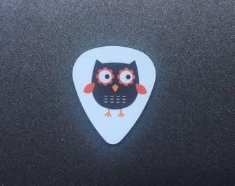 Needle Minder or Magnet: Black Owl Guitar Pick