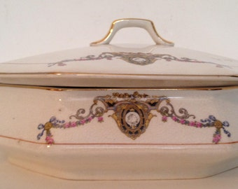 Vintage RARE serving vegetable bowl with lid-tureen-french china company-sebring