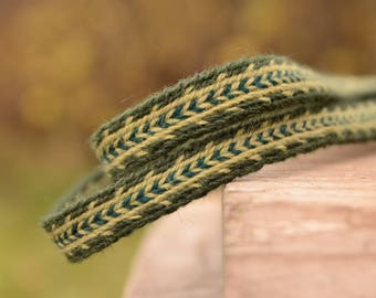 Handwoven belt / Tablet woven braid / Medieval woolen trim / Ladies belt / Viking tablet weaving / Medieval art / Green colour / 18 mm strap