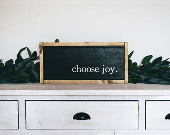 Choose Joy | Wooden Farmhouse Sign
