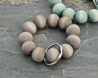 Keychain Bracelet, Bracelet Keychain, Beaded Key Wristlet, Bracelet for Keys, Keychain Jewelry, Dyed Wood bead keychain, Beach Tones