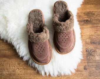 Women's Sheepskin Slippers, High quality handmade fur slippers